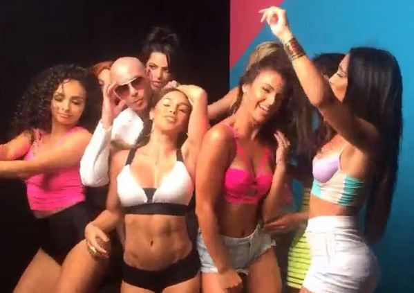 "New Video: Pitbull on the set of ""Back It Up"" music video!"