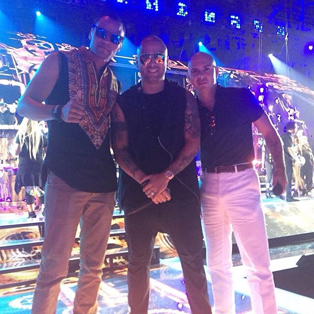 Pitbull Rehearsing for Premios Juventud with Wisin and Mohombi!