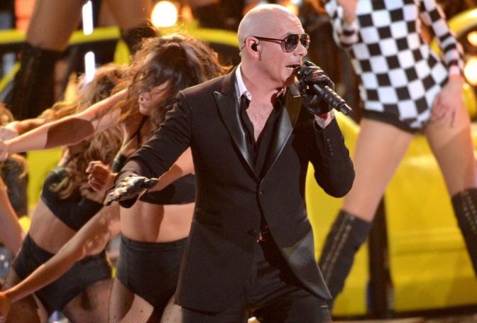 Pitbull Kicks Off Premio Lo Nuestro 2016