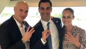 PHOTOS: Pitbull at NoVe Kitchen & Bar in Miami – Pitbull Updates ...